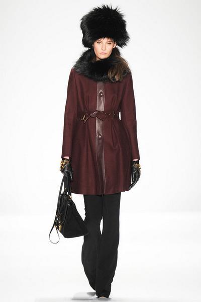 Модні жіночі куртки 2015 шкіряні Короткі Довгі плащі Фото модних ... 9a99ac18b5d8d